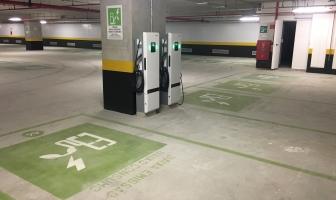 Oferta de postos de recarga de carro elétrico tende a aumentar em estacionamentos, após regulamentação da ANEEL,avalia executivo da Electric Mobility Brasil